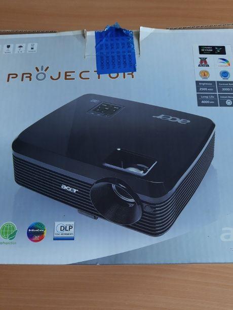 Projektor ACER + ekran przenośny