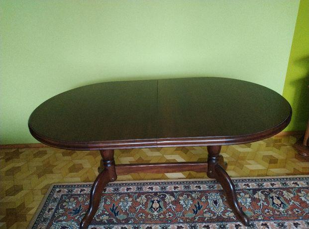 Stół drewniany do pokoju