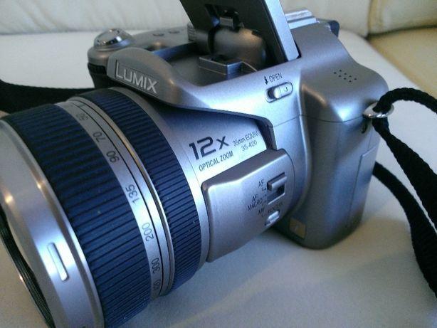 3 máquinas fotograficas vintage:Panasonic FZ30;Fuji S9600;Canon EOS 10