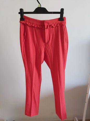 Spodnie czerwone z falbanką, ZARA