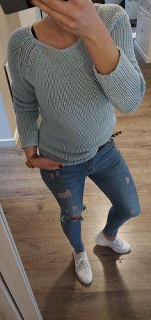 Niebieski sweterek damski