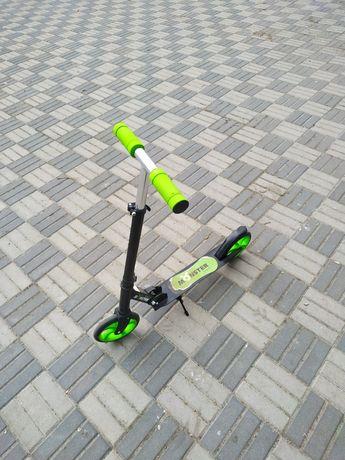 Самокат Profi Monster SR2-010 Green 20см