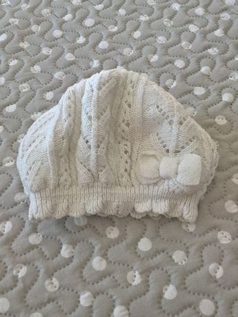 czapka beret do płaszczyka biały rozmiar 74 - 80