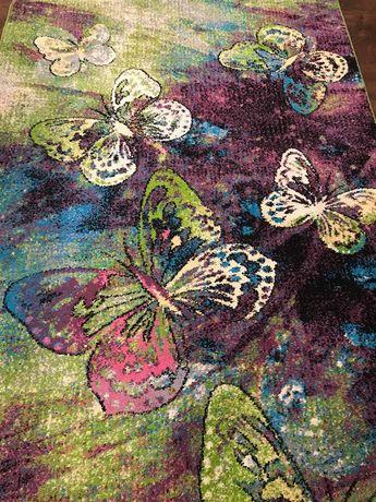 Dywan motylki 160x220 w bardzo dobrym stanie