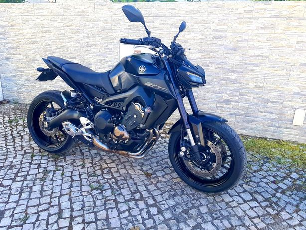 Yamaha MT 09 ...