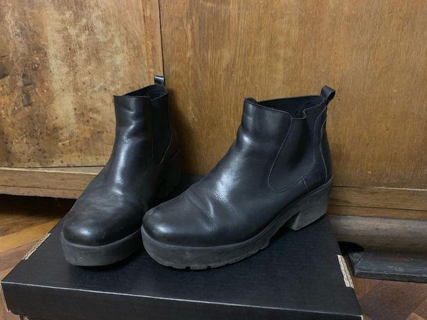zimowe skórzane buty na słupku, obcasie Venezia