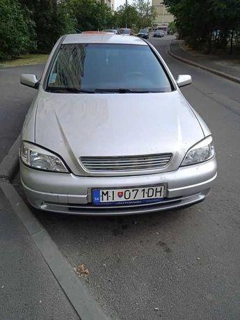 автомобиль Opel Astra G
