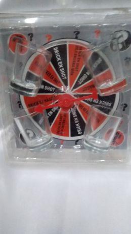 Алкогольная пьяная рулетка с рюмками игра для вечеринок .
