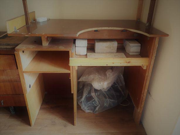 Продаю стол - верстак в хорошем состоянии