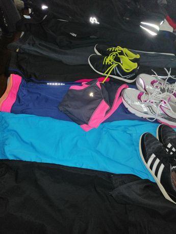 Sportowe dresy i buty damskie