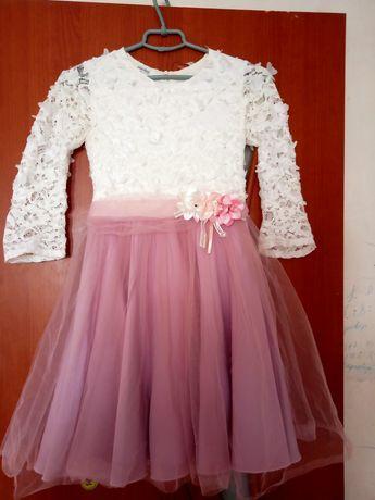 Продам плаття на дівчинку розмір 152