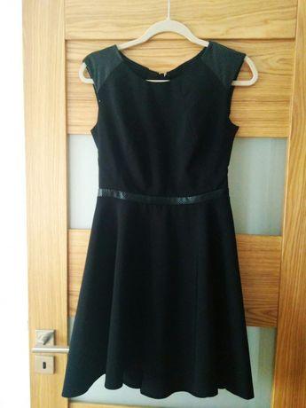 Czarna sukienka ze skórzanymi wstawkami, rozmiar 38