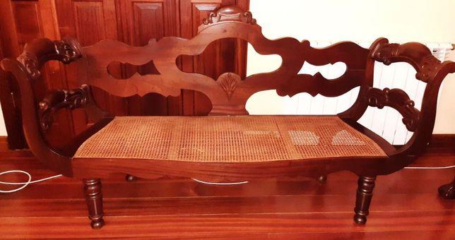 Canapé Antigo Madeira Exótica e Palhinha como Novo e Almofada Gobelin