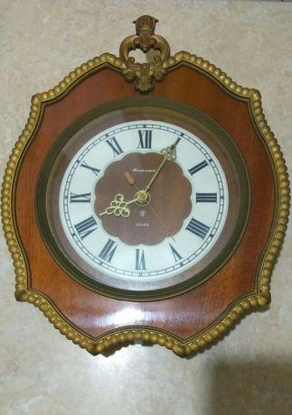 Часы Янтарь СССР кварц настенные Годинник