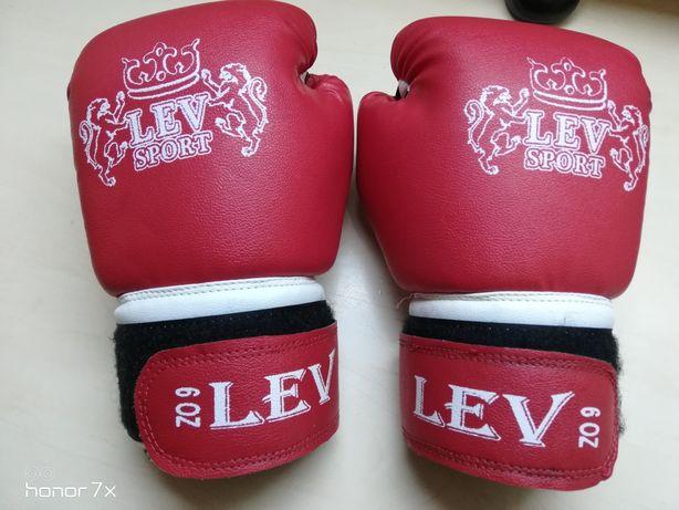 Перчатки для бокса. Фирма LEV SPORT