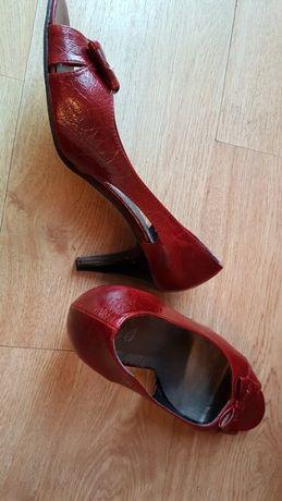 szpilki czerwone damskie