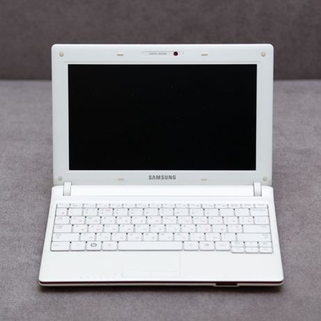 Ноутбук, нетбук Samsung N143 Plus белый, без батареи, полный комплект