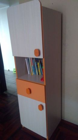 Шкаф-пенал в детскую