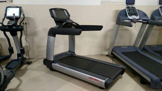 Беговая дорожка Life Fitness 95T Engage.Precor Technogym.