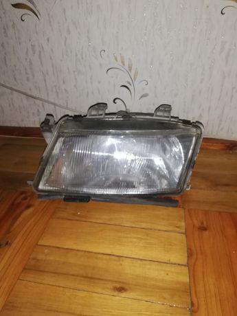 Lampa lewa przod SAAB 900