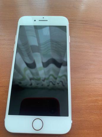 Продам б/у Iphone 7