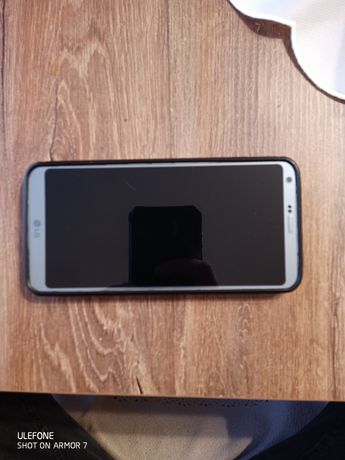 LG G6 pełny zestaw wraz z gumową obudową i folią