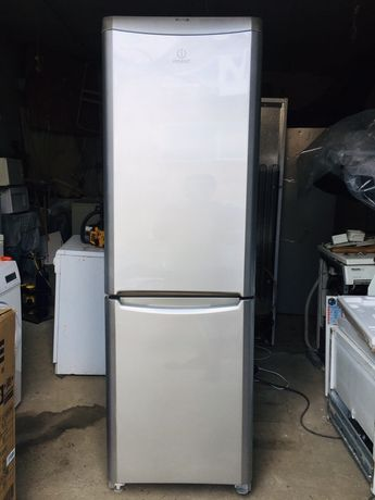 Холодильник Indesit с морозильной камерой высокий Bosch Liebherr Samsu