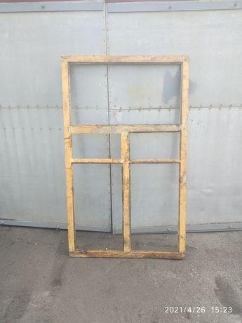 Вікна дерев'яні б/в різних розмірів.