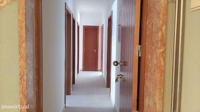 Apartamento para arrendar perto Rua Sto Eloy, Pontinha