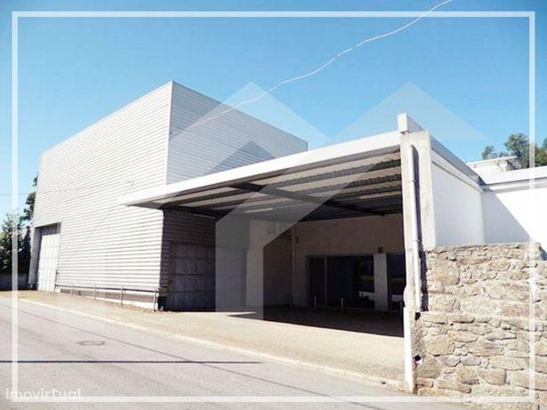 Armazém com 1100 m2 em Escariz, Arouca