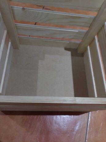 Caixas madeira arrumação
