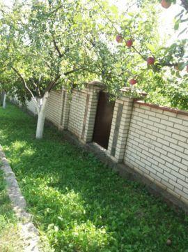 Земельний участок з садом у живописному місці