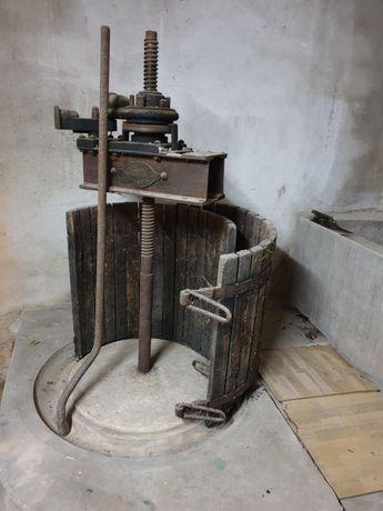 Prensa de vinho usada