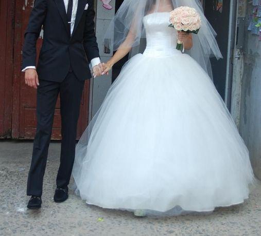 """Пышное свадебное платье цвета """"шампань"""""""
