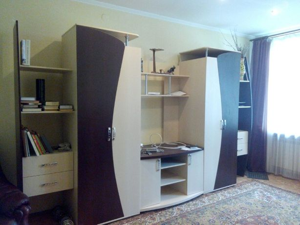 Продам Центр Луганск 3ком.кв.огражден двор