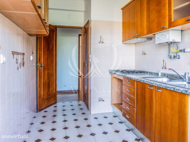 Apartamento T2 em Camarate