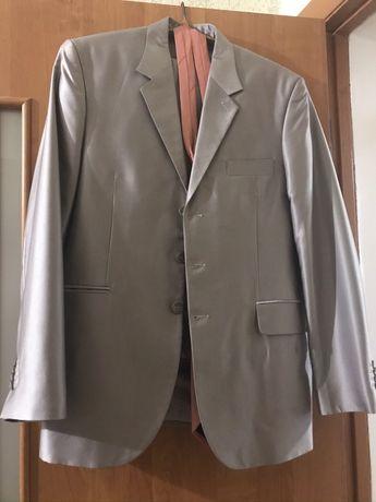 Мужской костюм на выпускной