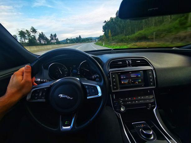 Jaguar XE R sport AWD 180cv