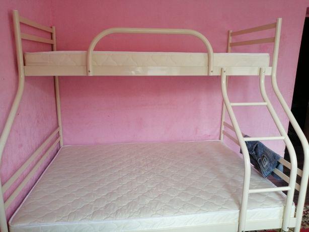 кровать металлическая двухъярусная, наличие и под заказ.