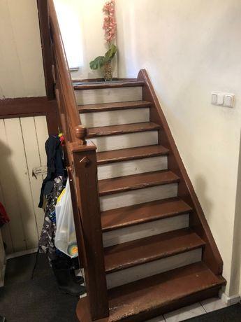 zabytkowe schody drewniane