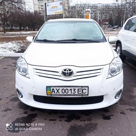 Продам автомобиль Toyota Auris 2011