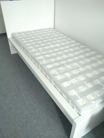 Kompletne białe łóżko MALM z IKEA 90x200 + stelaż + materac + GRATIS!