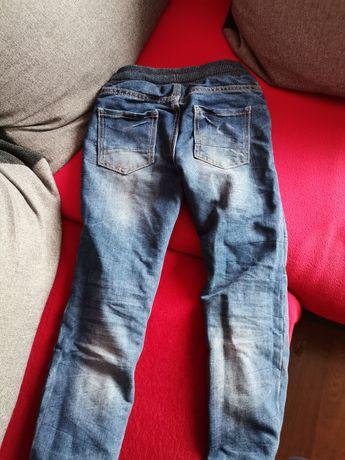 Sprzedam spodnie.