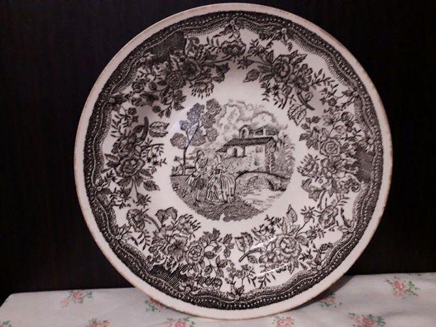 Коллекционная винтажная тарелка. Керамика, панно.