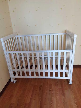Кроватка Верес на колесиках с матрацем, бампером, постелью