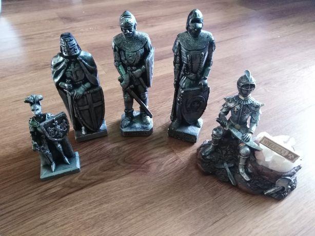 Figurki rycerzy 5 sztuk.