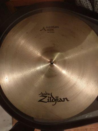 Pratos de bateria Zildjian / Sabian em conjunto ou separado
