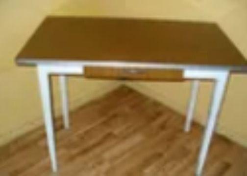 Stół kuchenny z prl-u z szufladą wymiary 100x60x77cm wys.