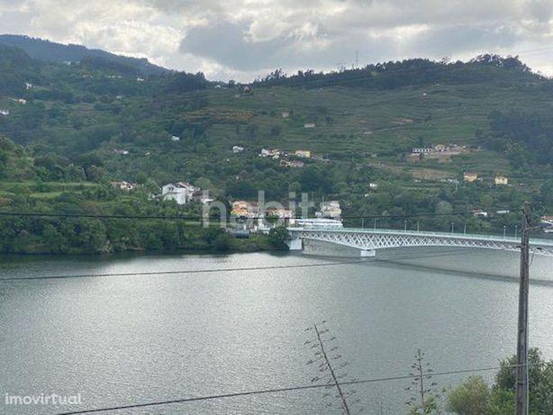 Moradia T3 com vistas sobre o Rio Douro