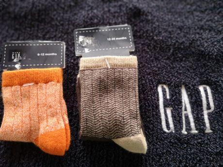 Bluzka sweter czapka skarpetki dla chłopca nowe BABY GAP z USA r. 86